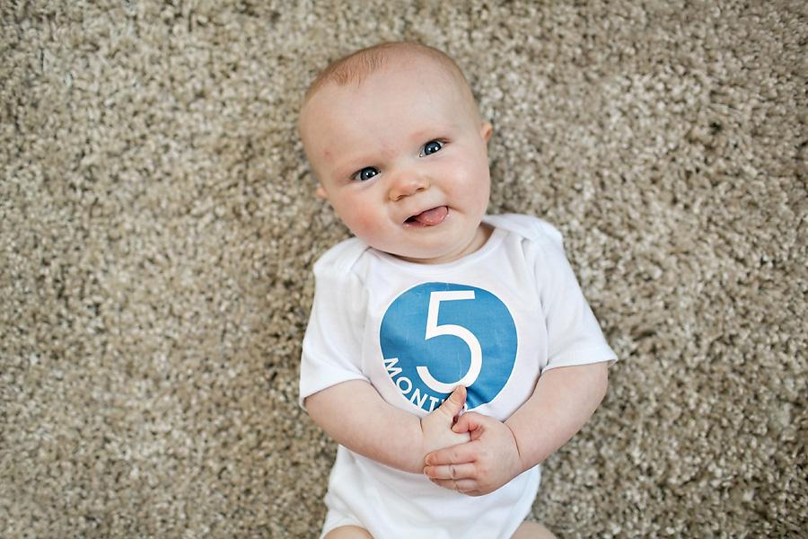 As principais características sobre o desenvolvimento de habilidades motoras finas no 5° mês. Conheça melhor cada fase de seu bebê e suas características.