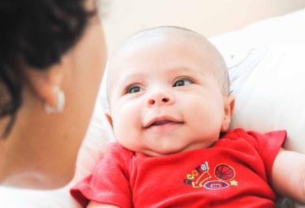 Desenvolvimento Social do 2° mês | Seu bebê com a gente