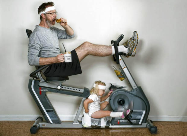 """ciclista com sua filha """"melhor pai do mundo"""""""