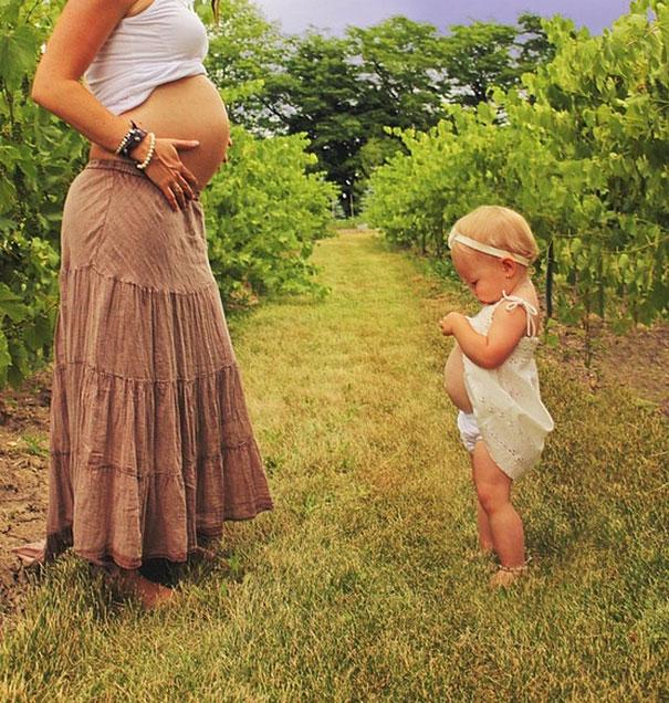 20 Fotos de mães e filhas bem parecidas.
