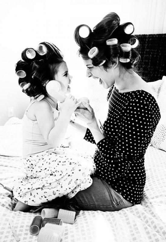 20 Fotos de mães e filhas vestidas iguais. Cara de um fussinho da outra