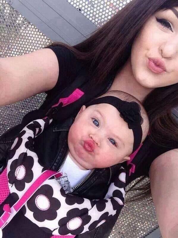 20 Fotos de mães e filhas vestidas iguais
