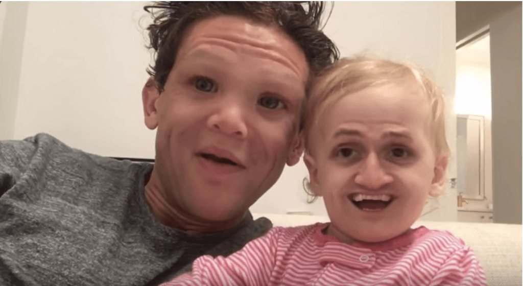 troca de rostos Snapchat pais e bebê