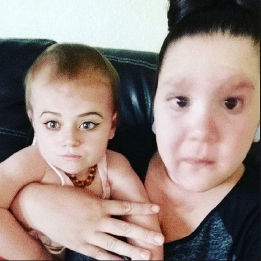 troca de rostos aplicativo Snapchat mãe e baby