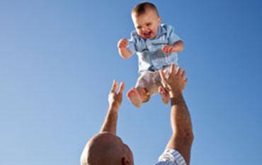 Pode jogar o bebê para cima ? importante. | Pikuruxo